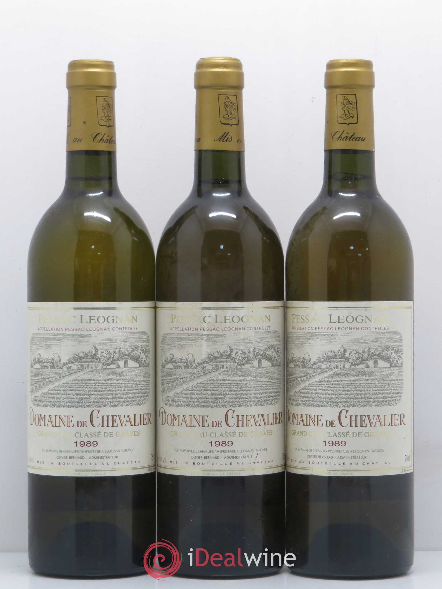 Domaine de Chevalier Cru Classé de Graves  1989 - Lot of 3 Bottles