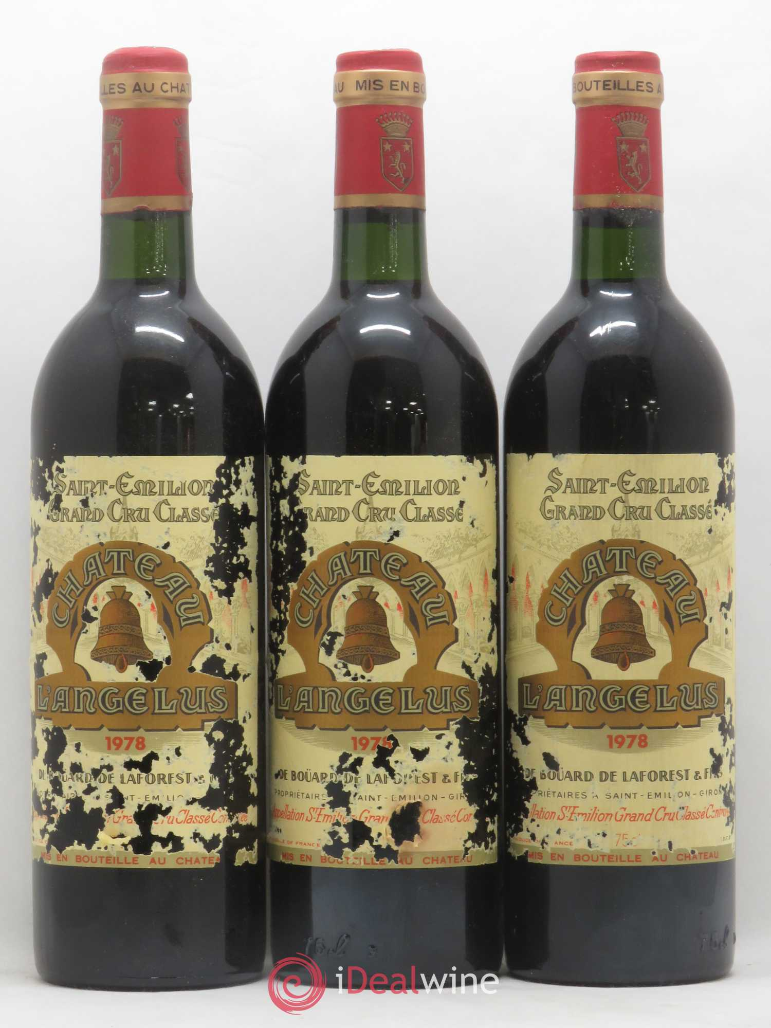 Château Angélus 1er Grand Cru Classé A  1978 - Lot of 3 Bottles