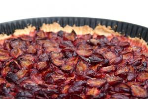 Tarte fine prunes et amandes